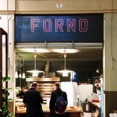 Insegna del forno all'interno del ristorante Atro? a Bologna