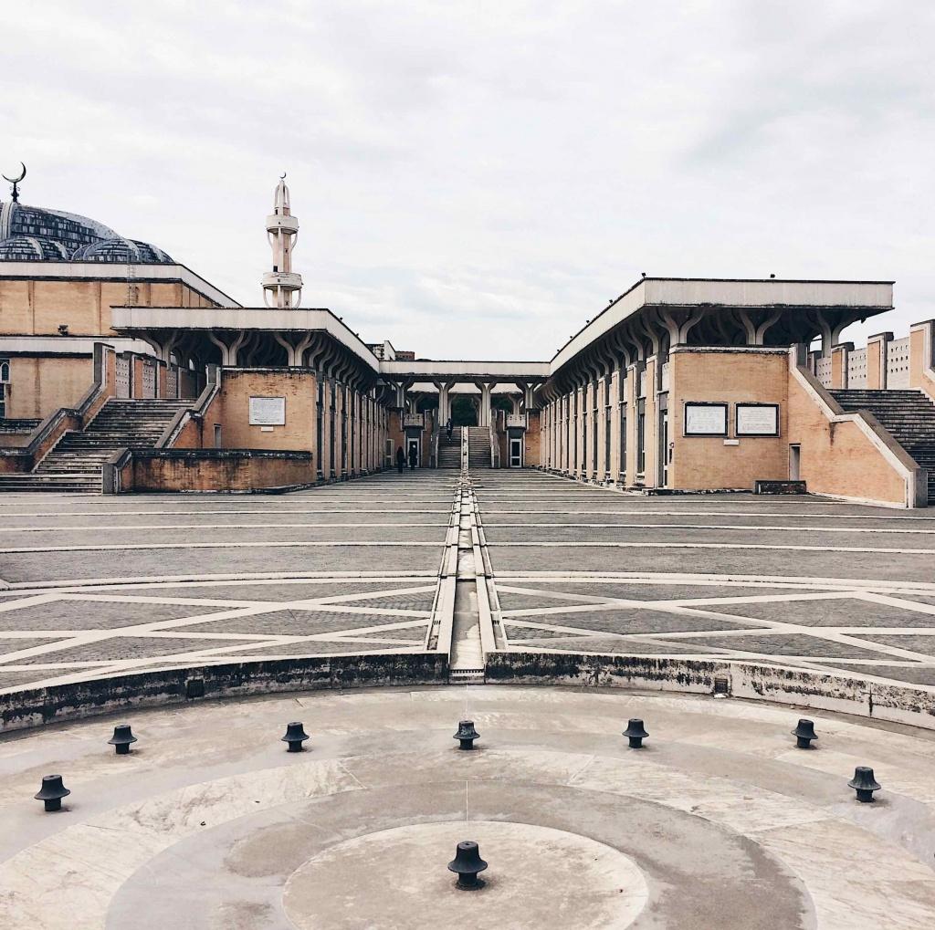 Vista della Moschea di Roma dall'esterno