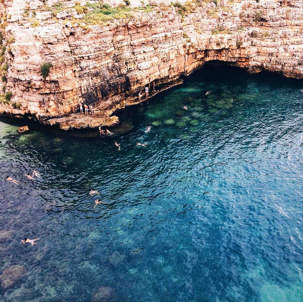 Il mare blu di Polignano a Mare