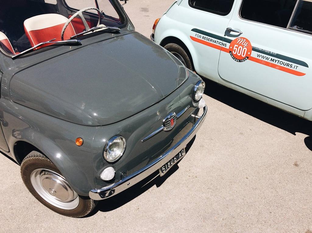 Tour del Chianti le 500 parcheggiate