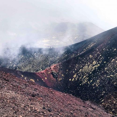 Escursione sull'Etna il cratere superiore