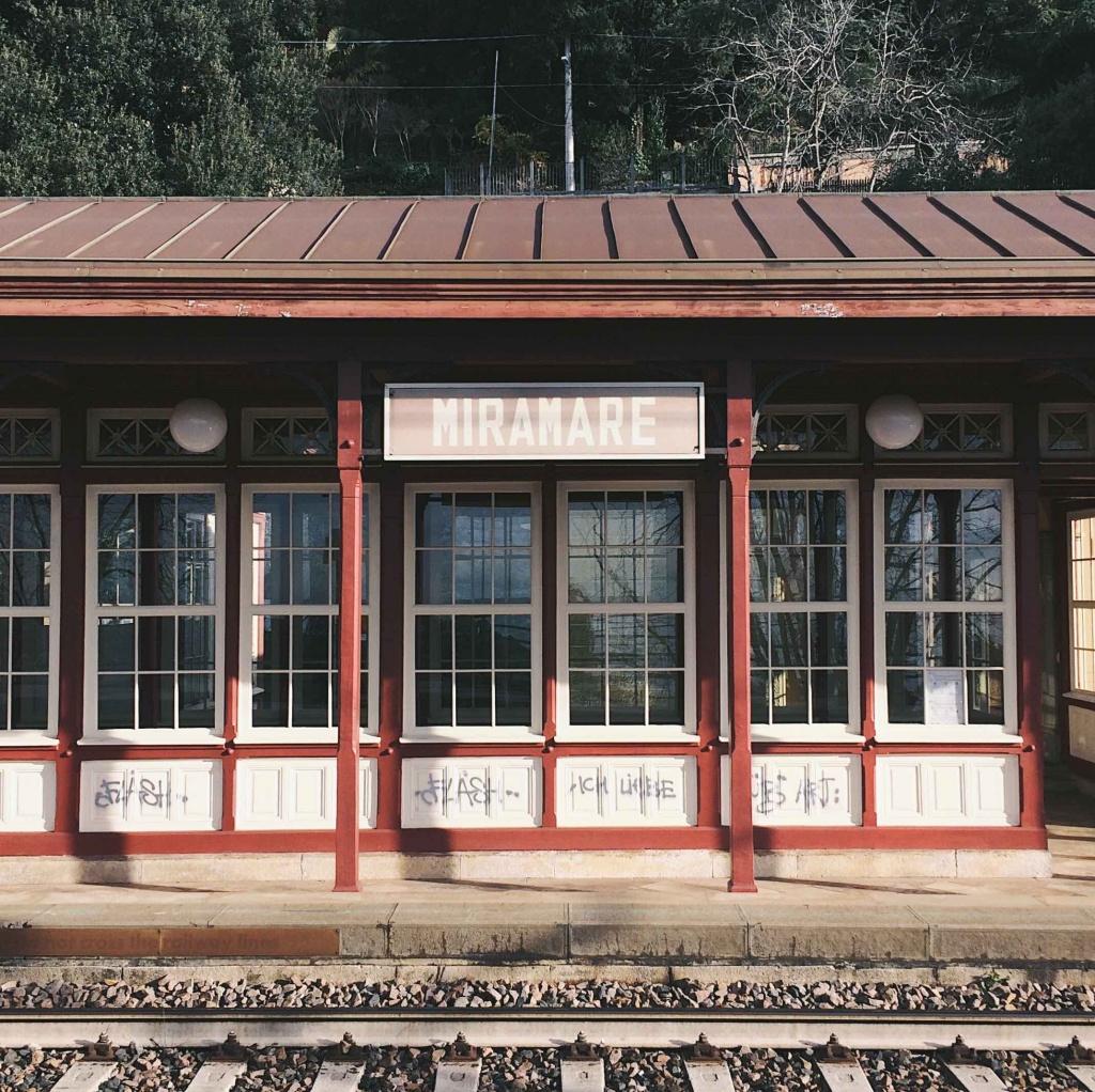 10 luoghi speciali a Trieste: Stazione Miramare