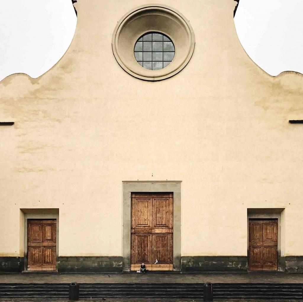 Itinerario alternativo a Firenze: facciata della Basilica di Santo Spirito