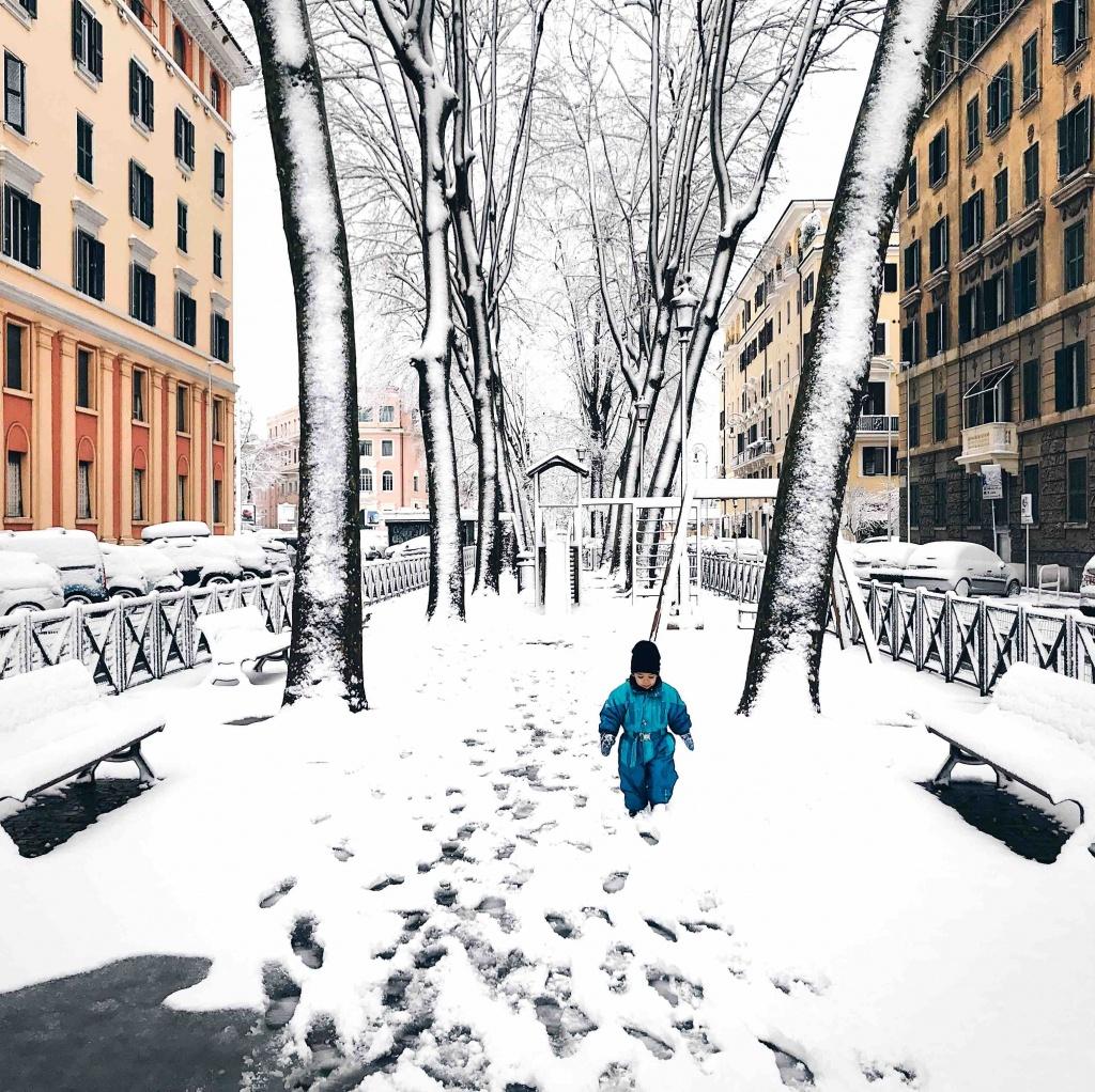 Neve a Roma: parco giochi innevato