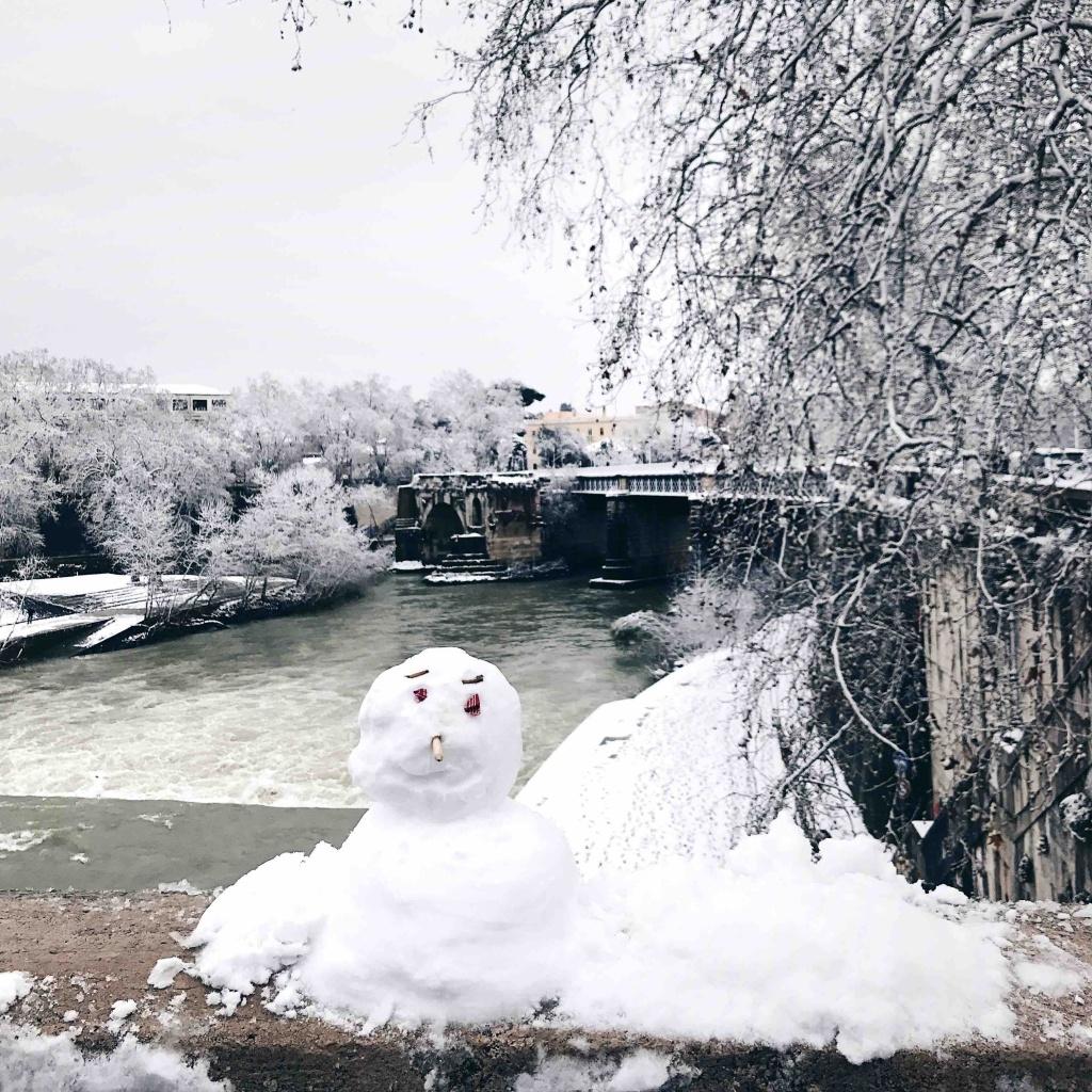 Neve a Roma: pupazzo di neve