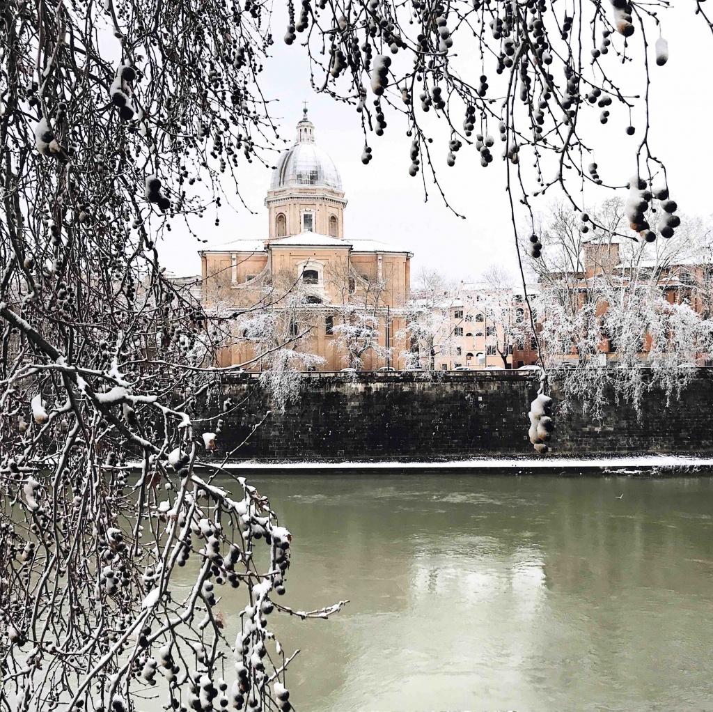 Neve a Roma: il Tevere