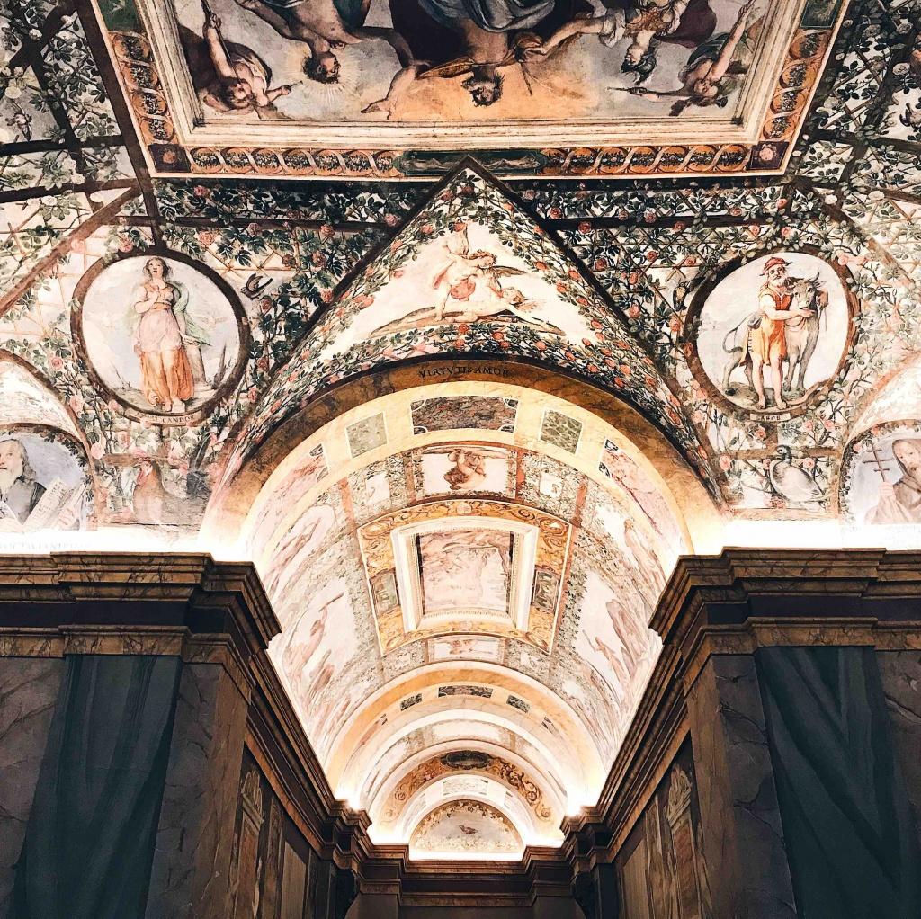 Palazzo Zuccari: gli affreschi dipinti da Zuccari