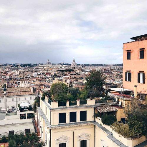 Vista panoramica dalla terrazza di Palazzo Zuccari