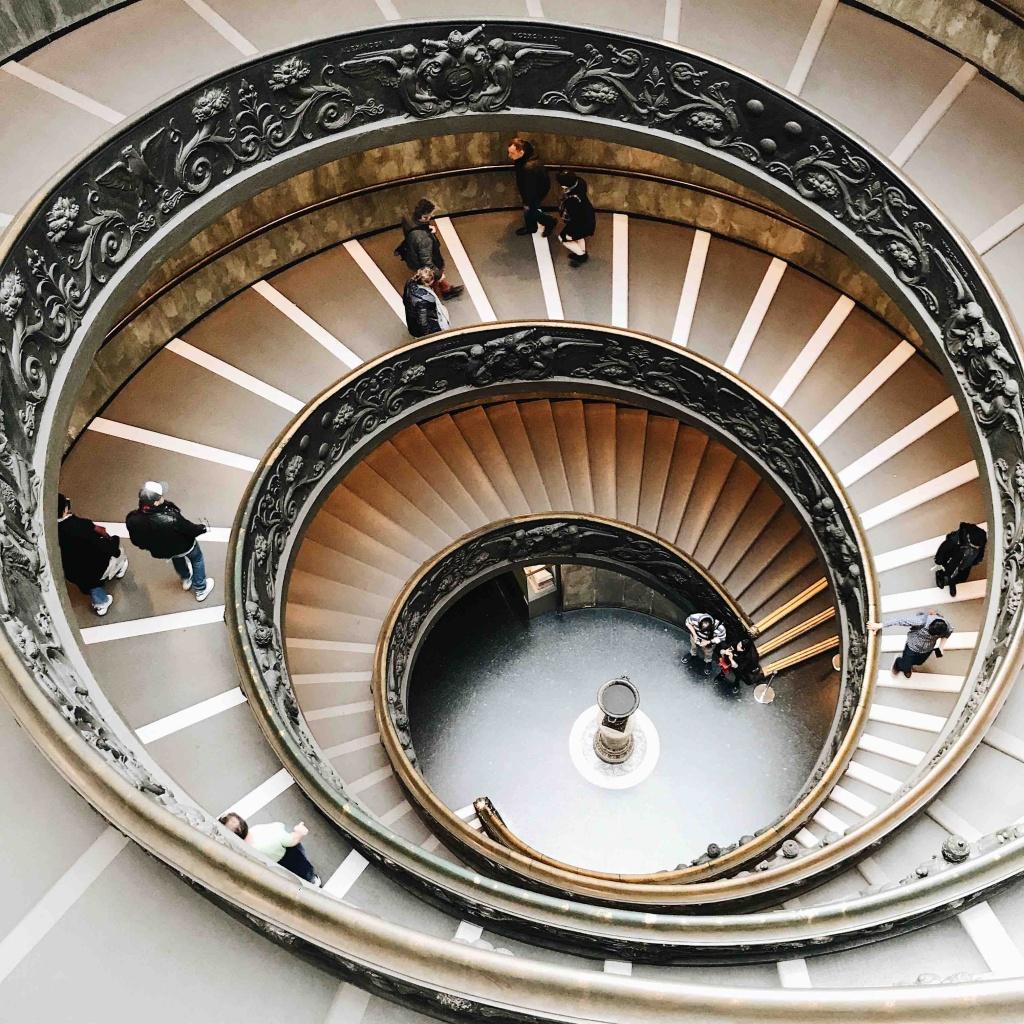 Visita ai Musei Vaticani: Scala elicoidale di Momo