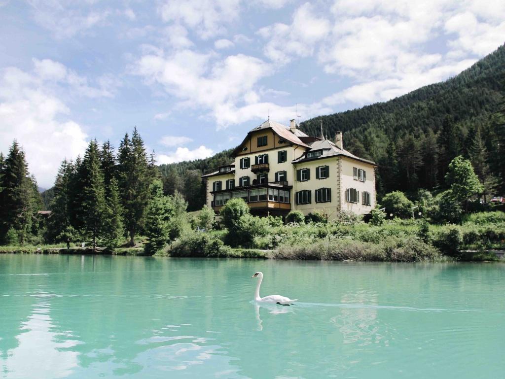 Lago di Braies e dintorni: gita in pedalò sul Lago di Dobbiaco