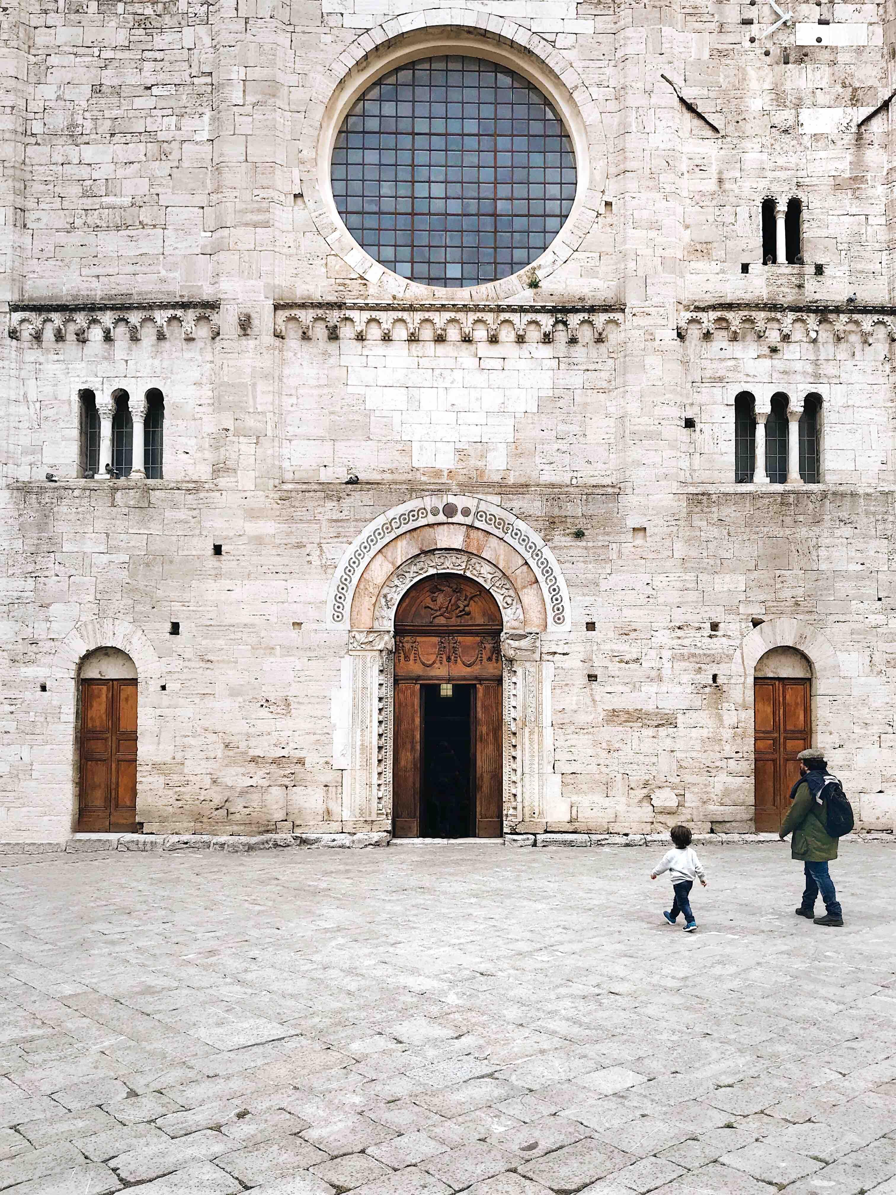 I borghi dell'Umbria: Piazza Silvestro a Bevagna