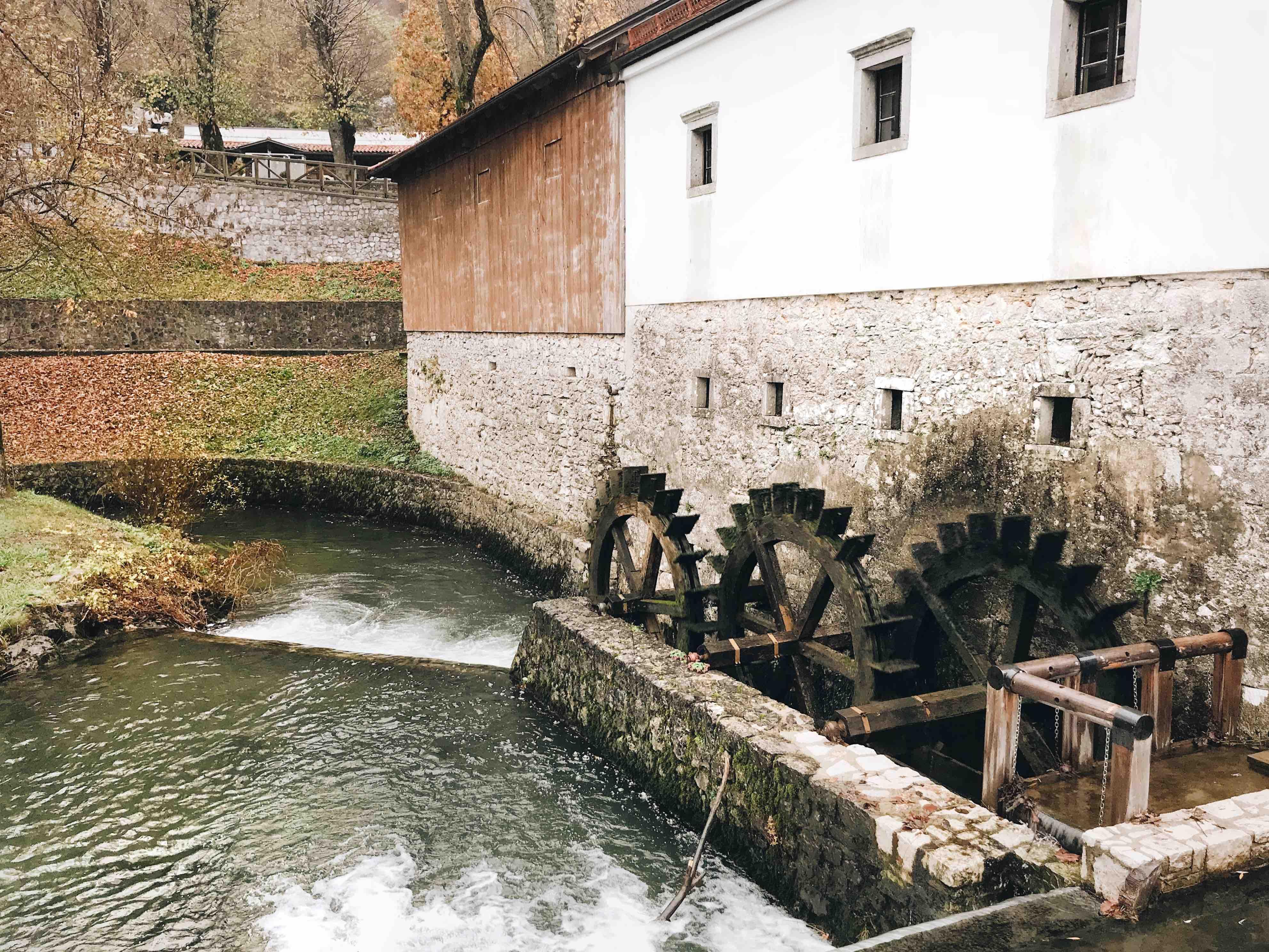 Le grotte di Postumia: il mulino sul fiume