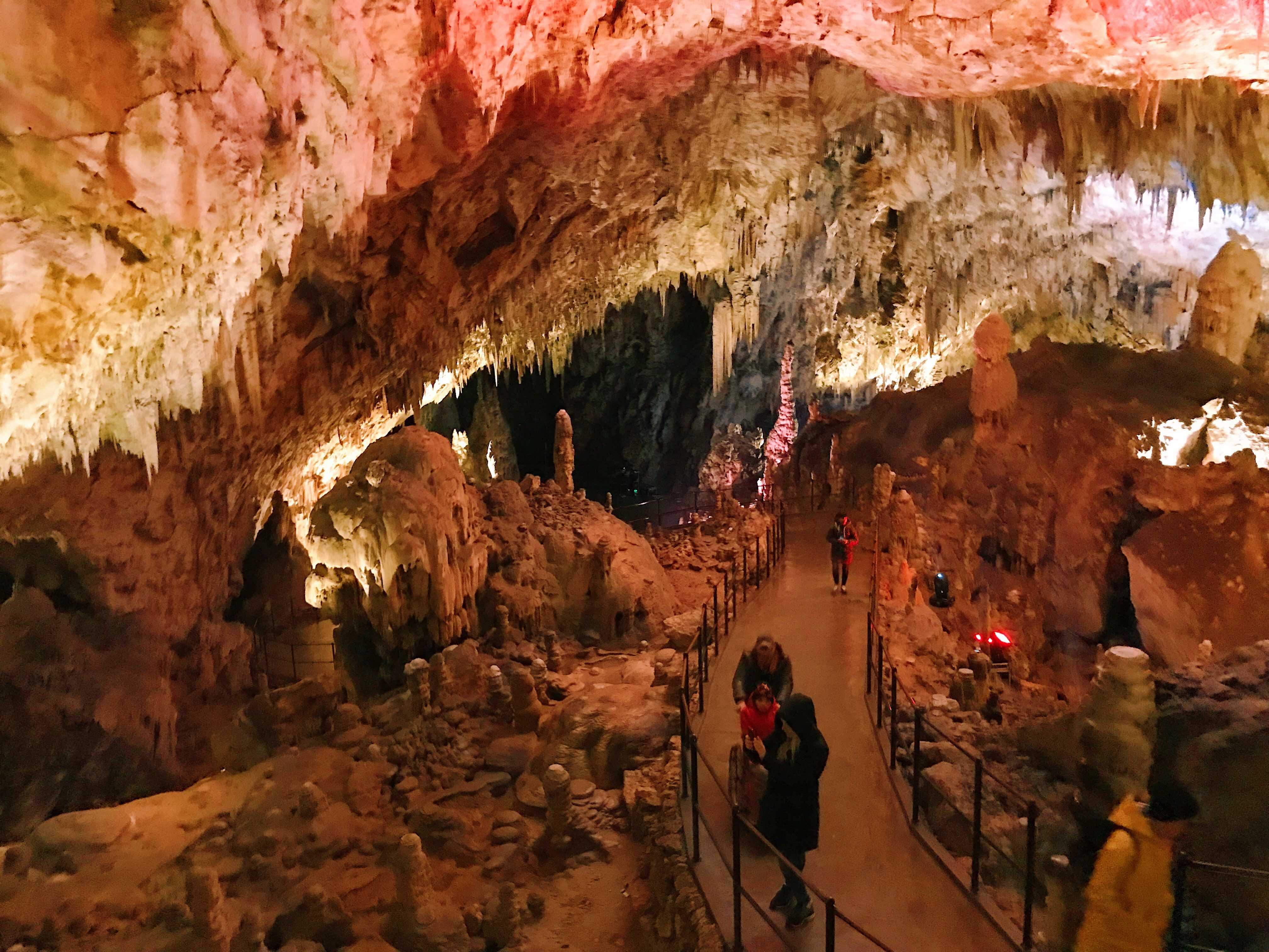 Le grotte di Postumia: sala rossa