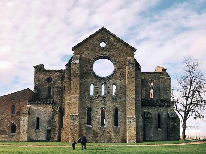 Esterno dell'Abbazia di San Galgano vicino a Siena