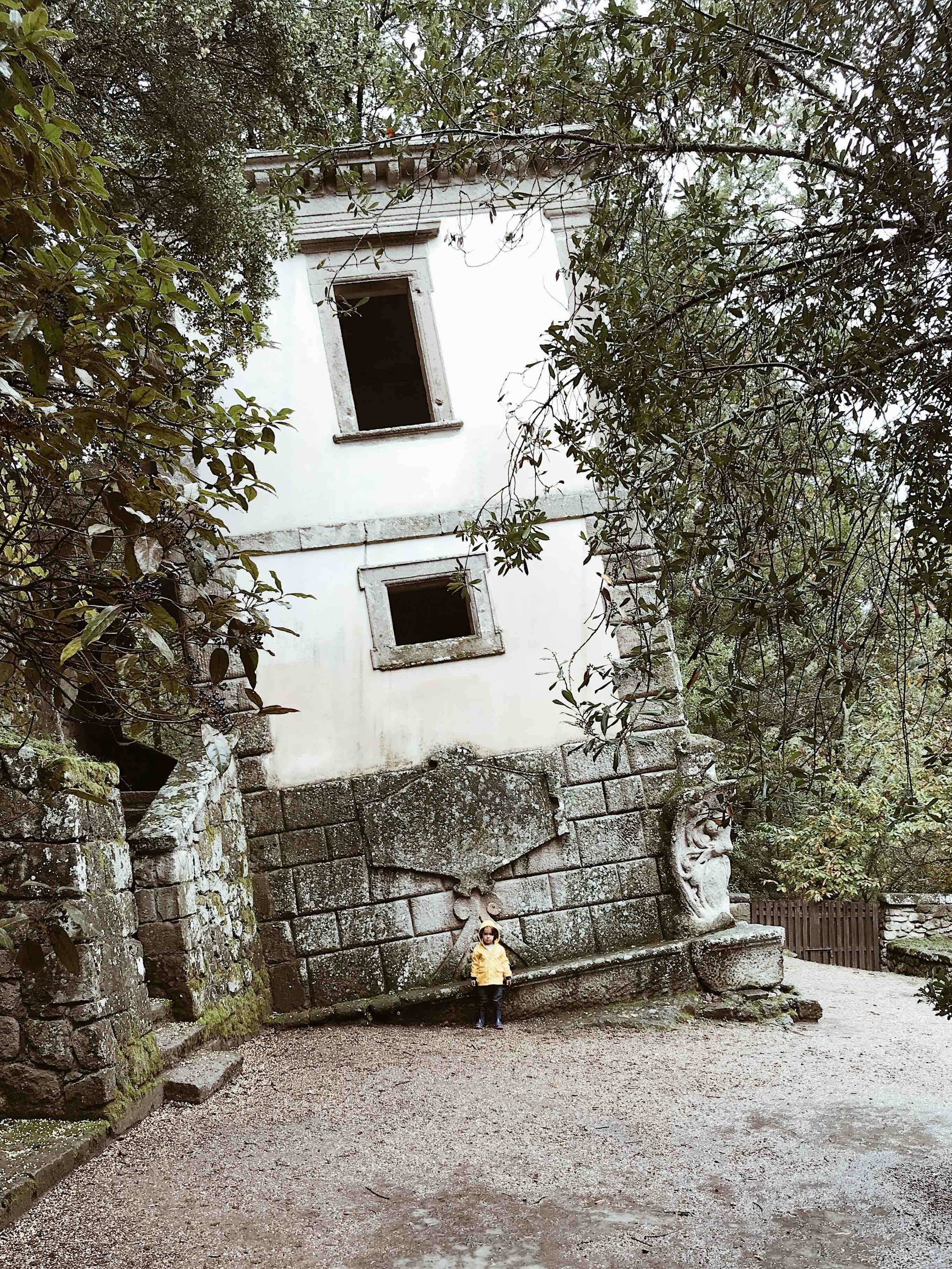 Il Parco dei Mostri di Bomarzo: la casa pendente