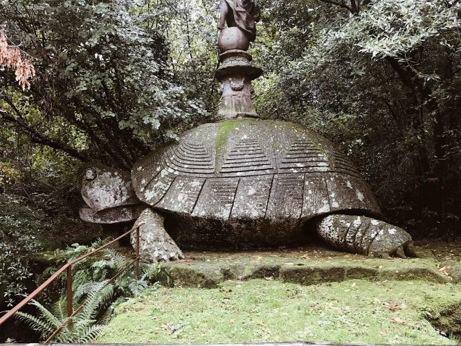 Il Parco dei Mostri di Bomarzo: la tartaruga gigante