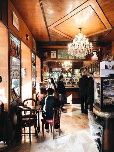 Tour dei caffè storici di Trieste: il Caffè Torinese