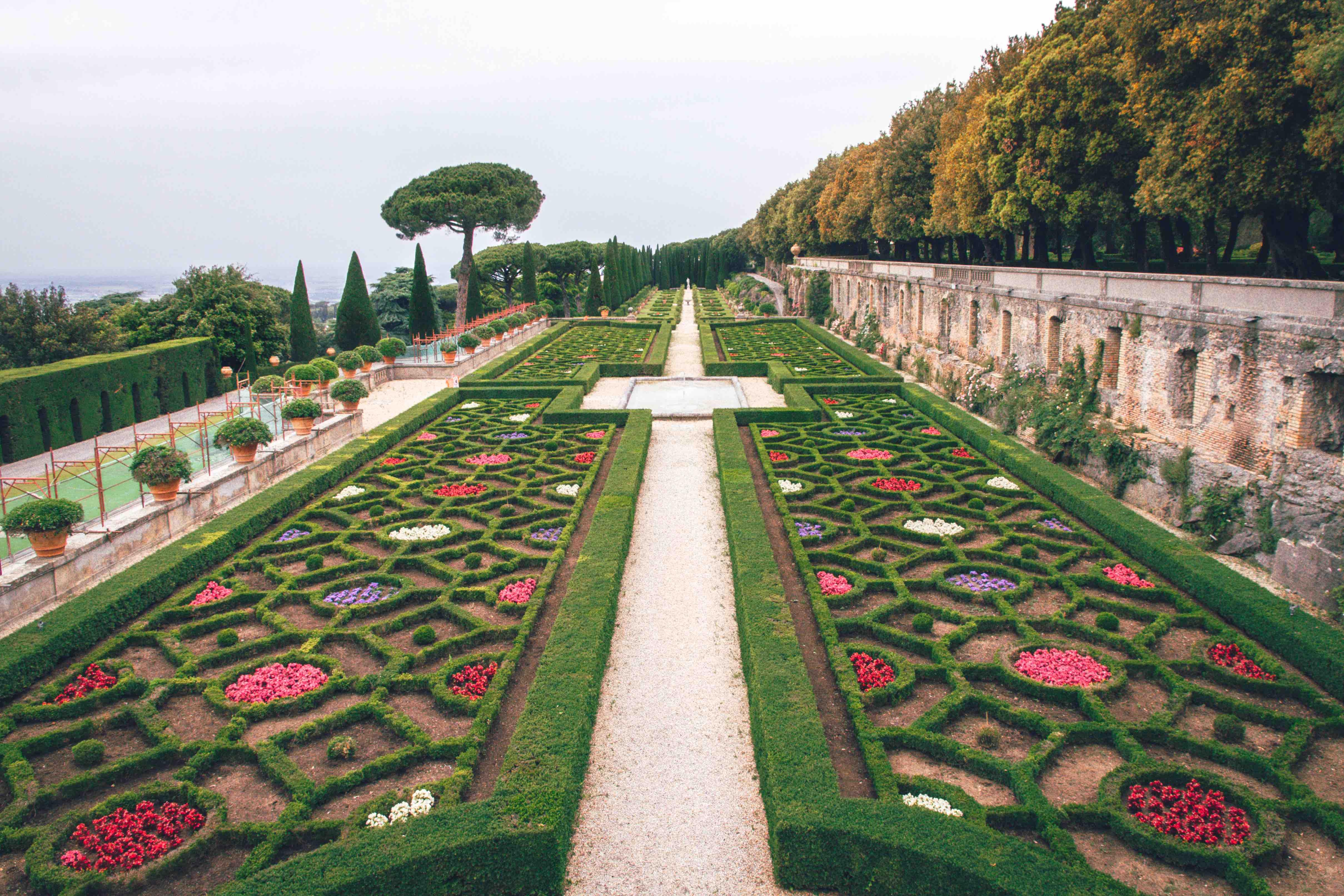 Cosa vedere ai Castelli Romani: giardino all'italiana