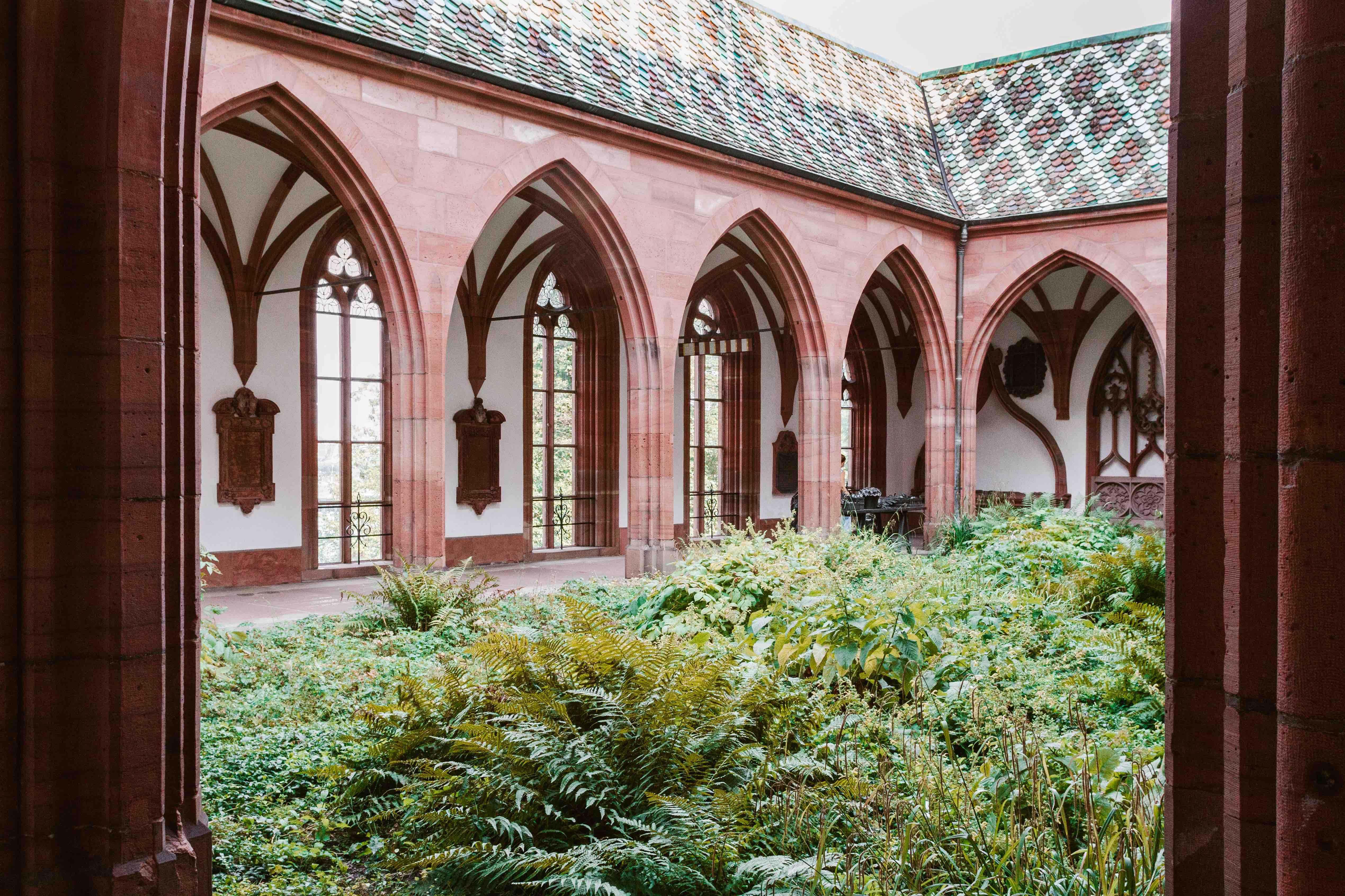 24 ore a Basilea: il chiostro della Cattedrale