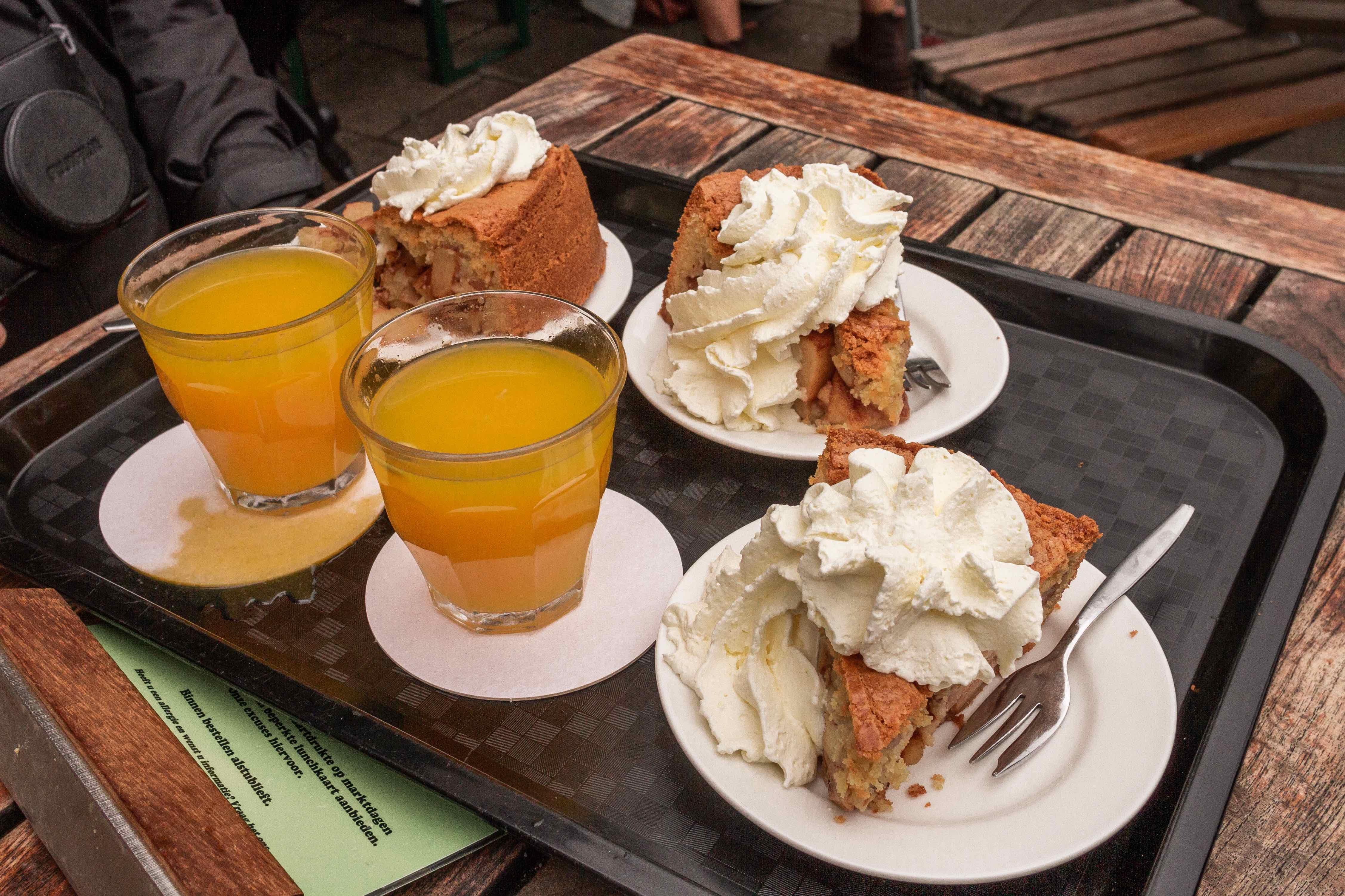 29 cose da vedere ad Amsterdam: tretortedi mele con panna da Winkler43