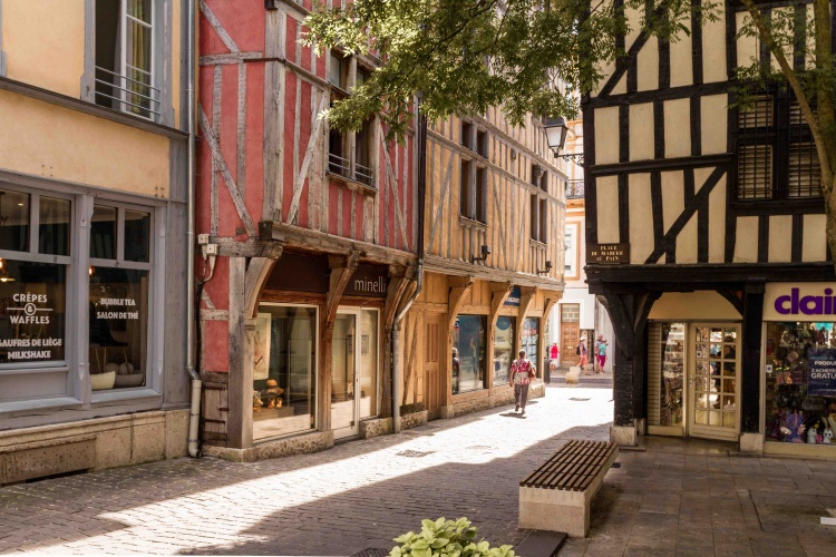 Visita a Troyes