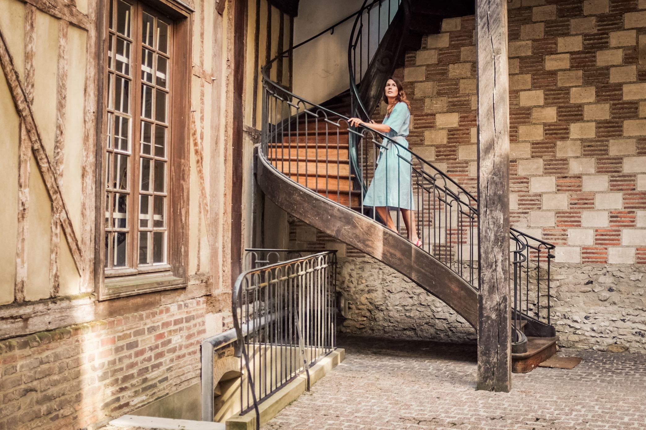 Visita a Troyes: scala a chiocciola in corte interna