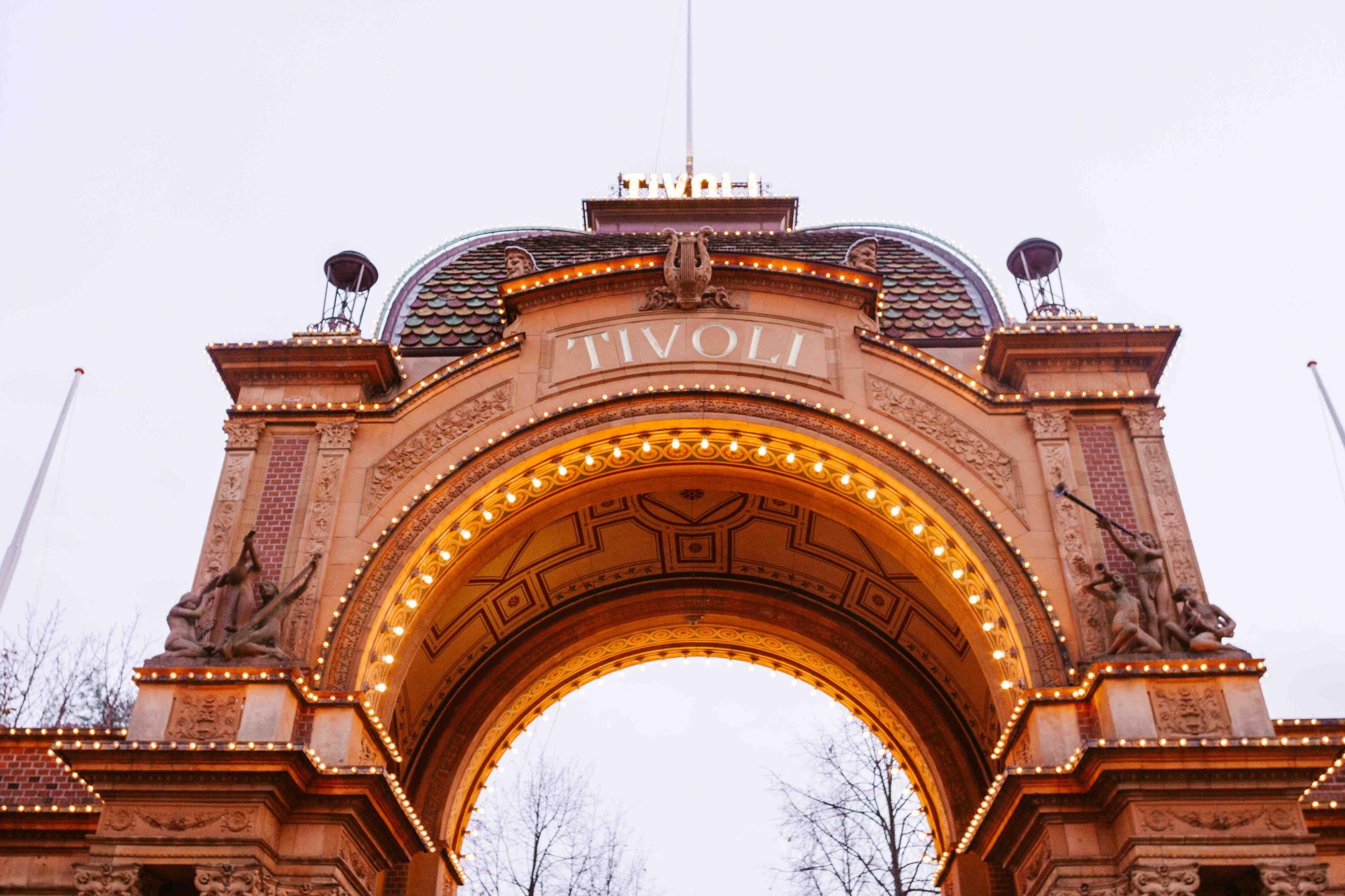 Entrata del parco divertimenti Tivoli a Copenhagen
