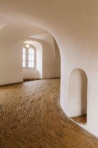 interno della torre rotonda di copenhagen