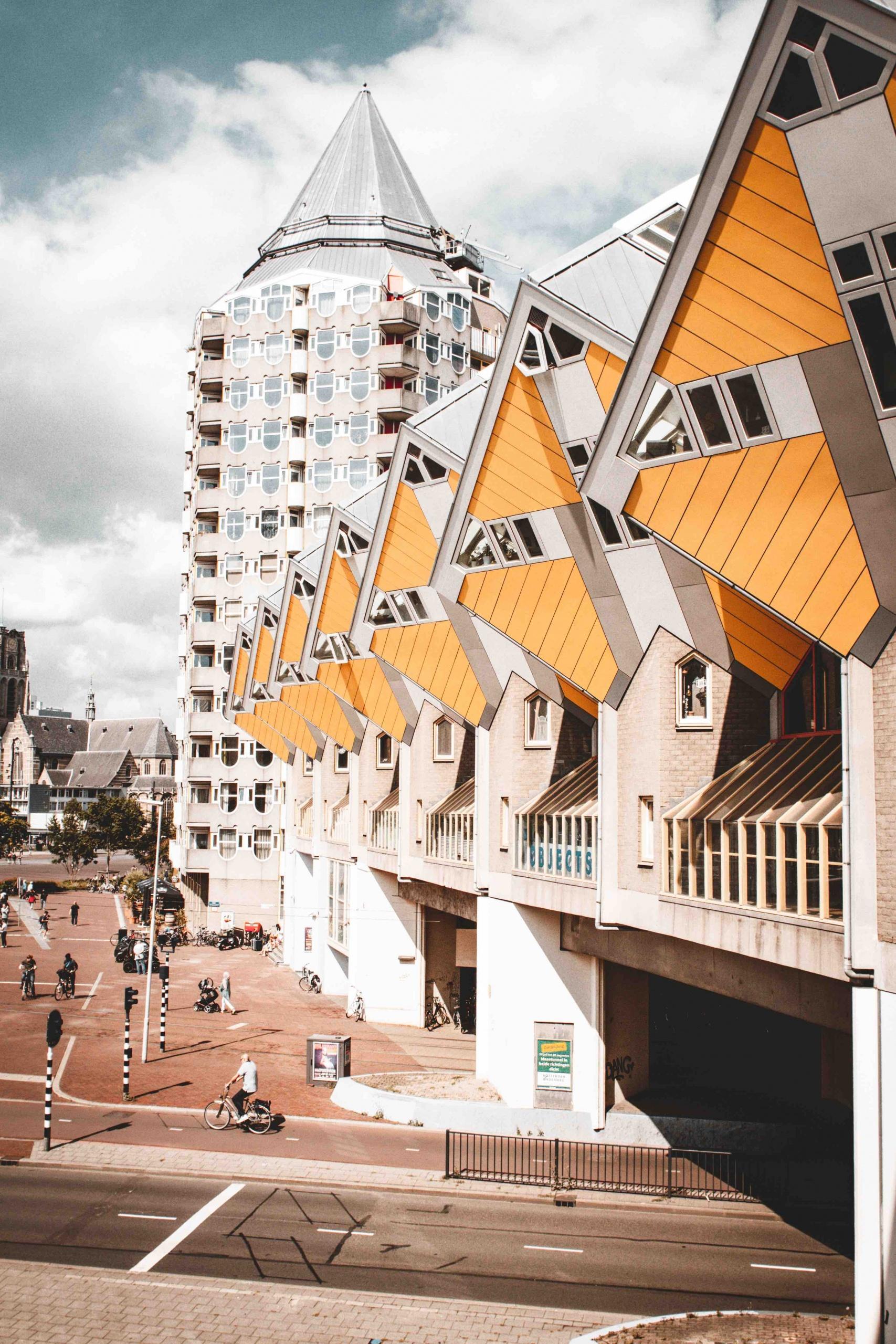 itinerario architettonico di Rotterdam: visita alle case cubo