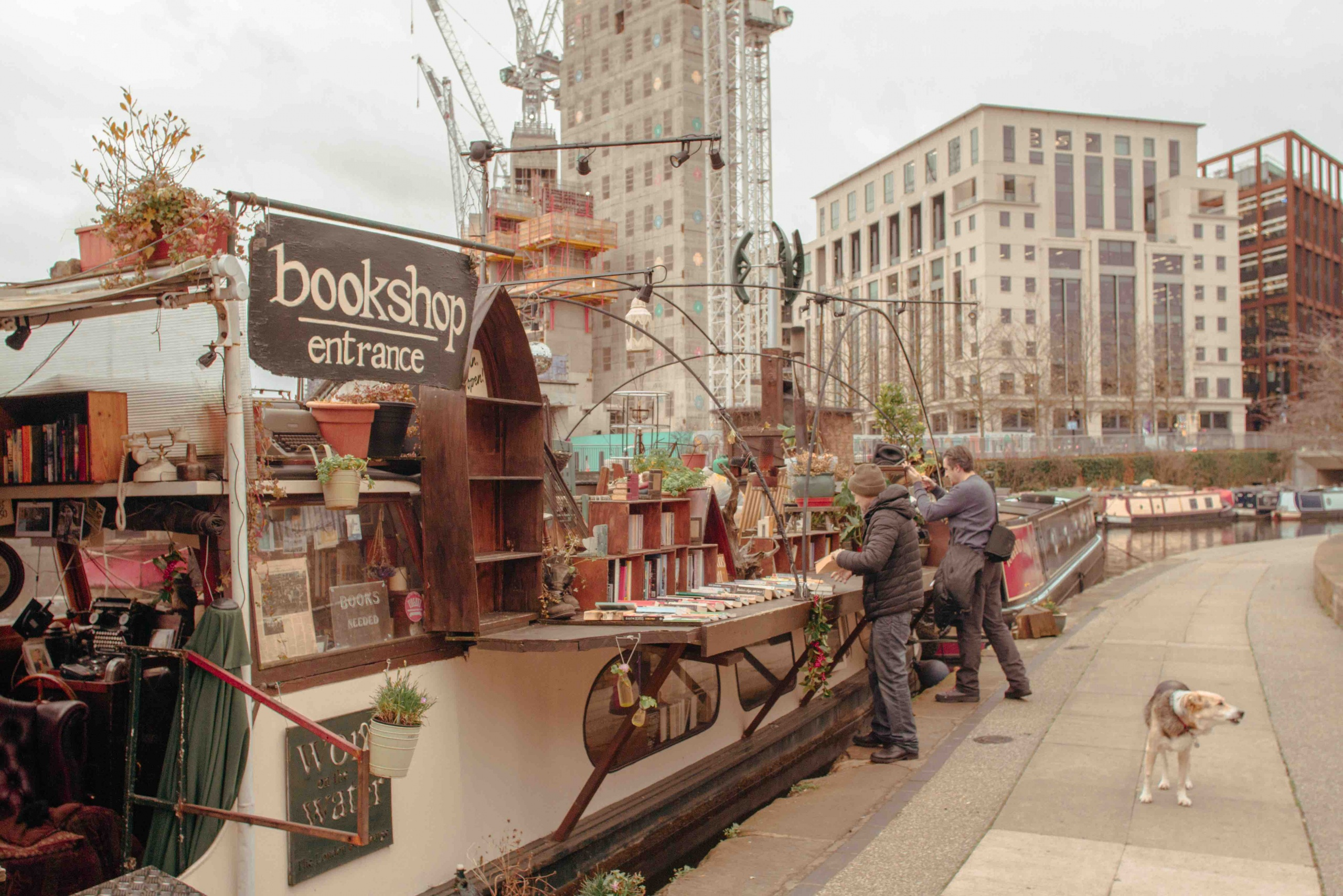 luoghi poco conosciuti di Londra: la libreria sull'acqua