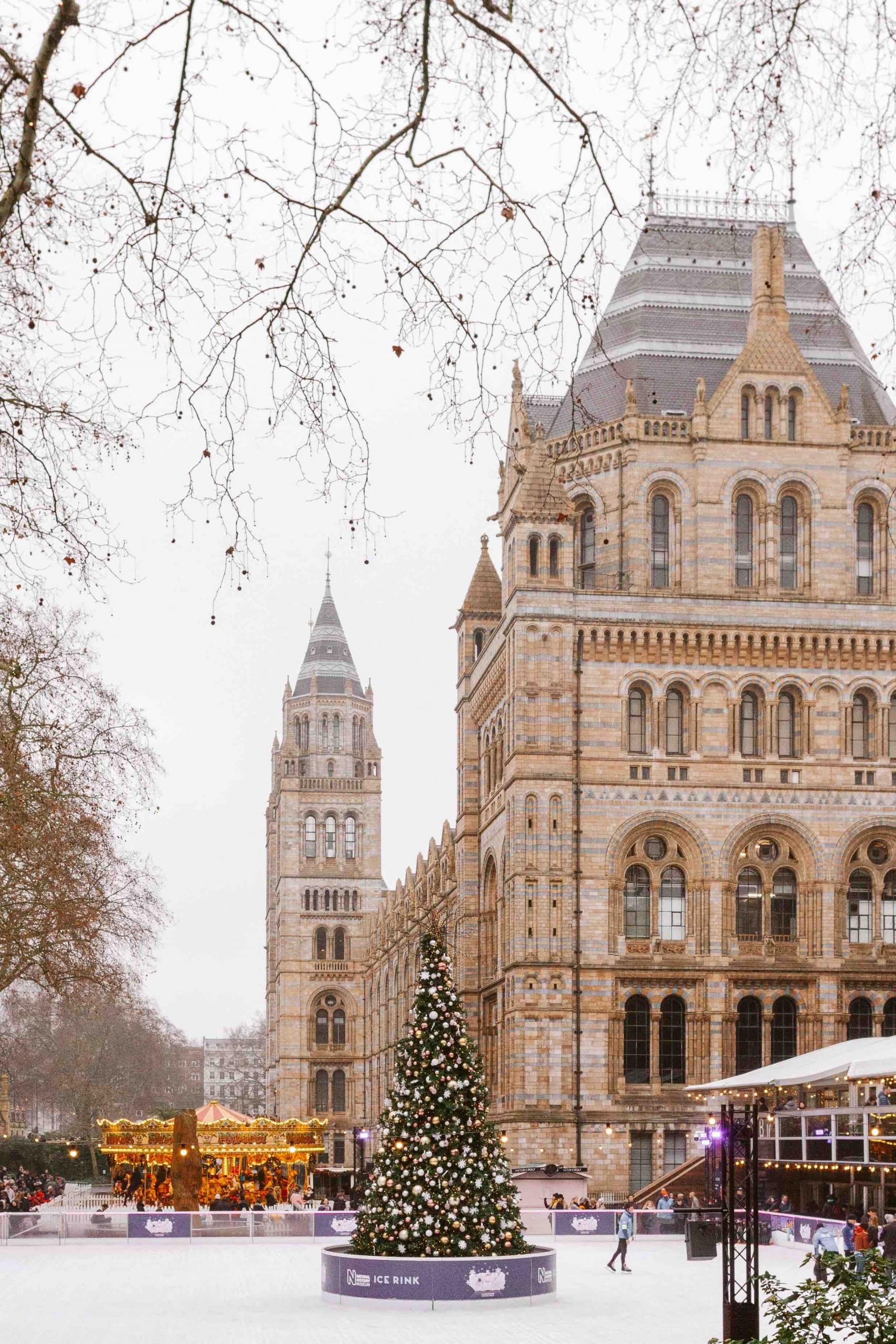 Natale a Londra: pista pattinaggio sul ghiaccio
