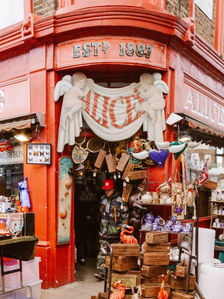 posti intstagrammabili a Londra: Alice's facciata negozio oggetti vintage