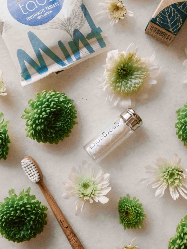 Kit da viaggio plastic free: dentifricio in pastiglie