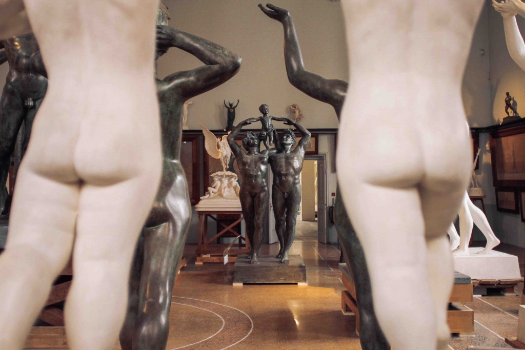 sculture in marmo nero e gesso di Handrik Christian Andersen