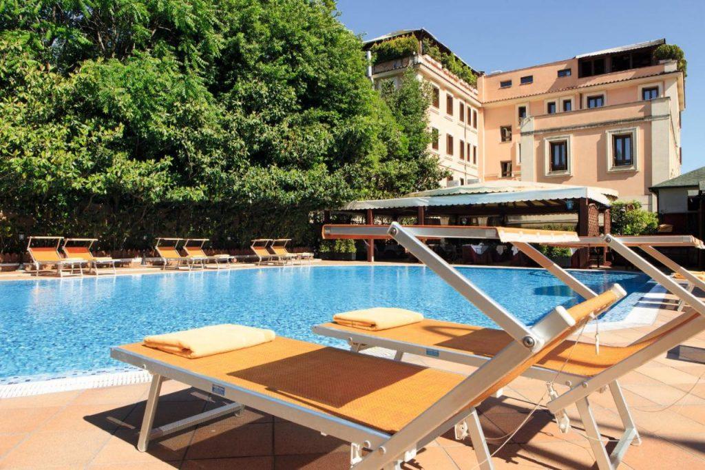 hotel al gianicolo a roma con piscina e vista panoramica