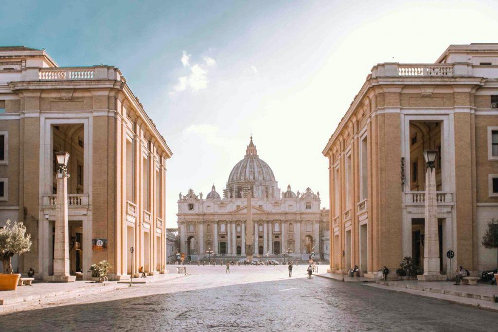 passegiata del gianicolo partenza da piazza san pietro basilica di san pietro