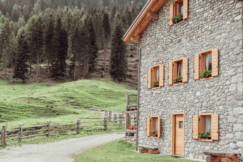 malga maraia esterno casa di montagna