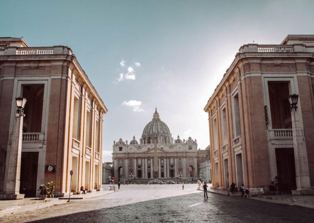 piazza san pietro a roma