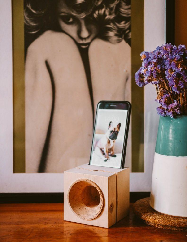 cassa per telefono in legno grezzo