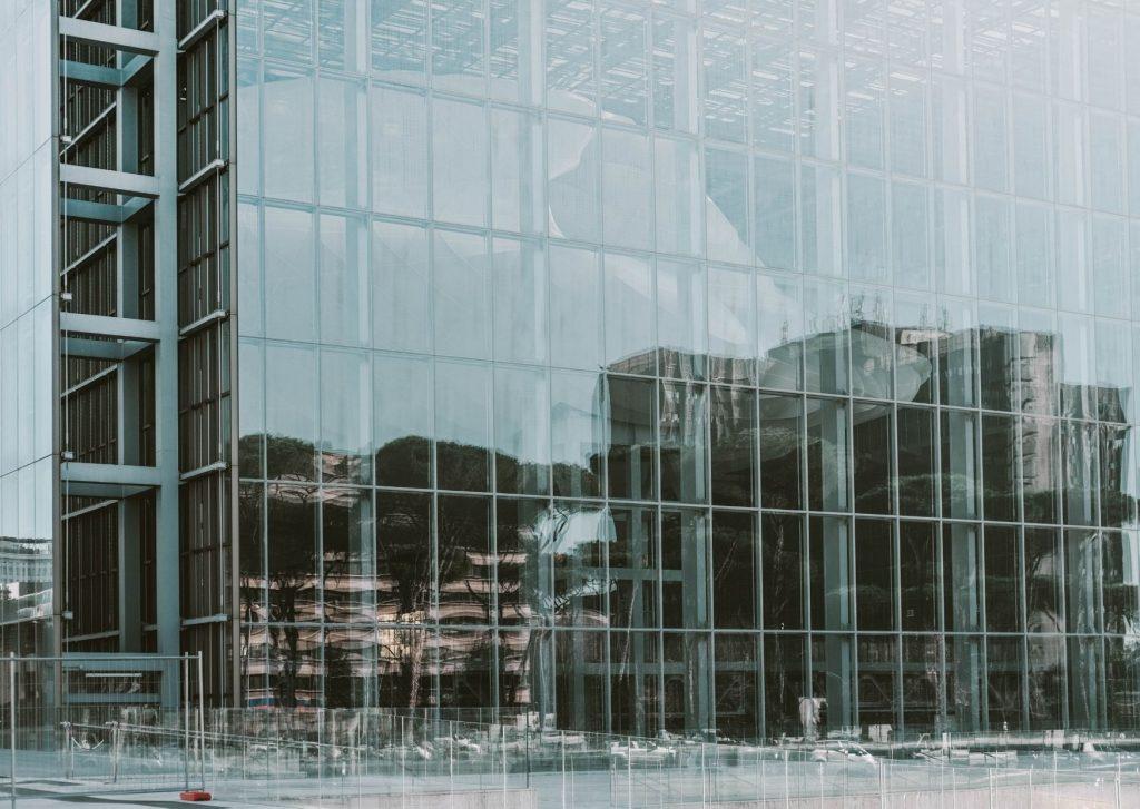 edificio in vetro eur
