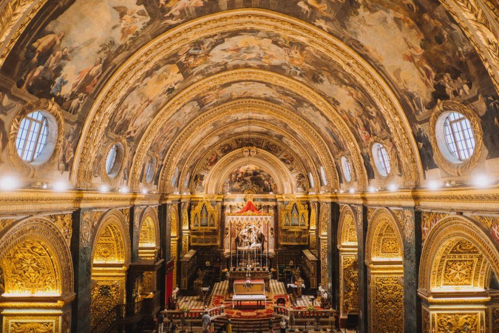 Interno barocco della Cattedrale di St. John a Malta